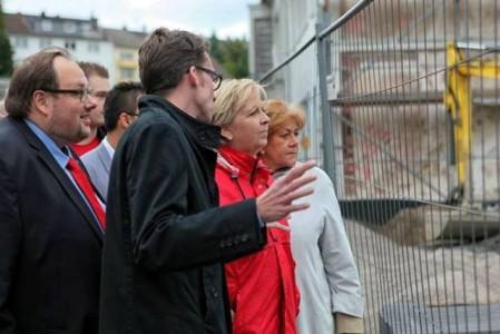 Hannelore Kraft besuchte den Honsberg, um sich über Fortschritte des Stadtumbau West - Programms zu informieren.